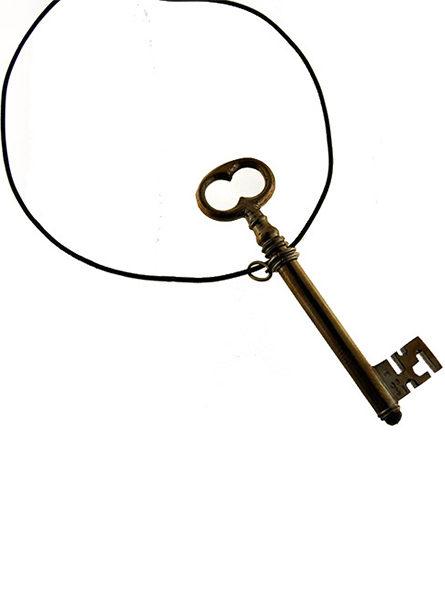 Collana con chiave di Yoko Ono per Marylart